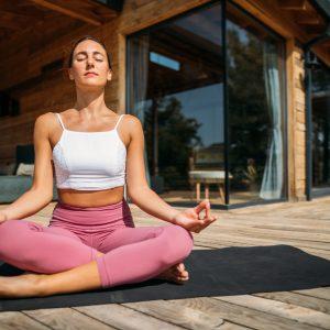 Yoga Pratiğinizi Düzenli Hale Getirmek İçin 10 Öneri