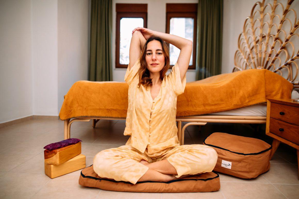 Altı Adımda Düzenli Olarak Yoga Yapmak İçin Kendinizi Nasıl Motive Edebilirsiniz?